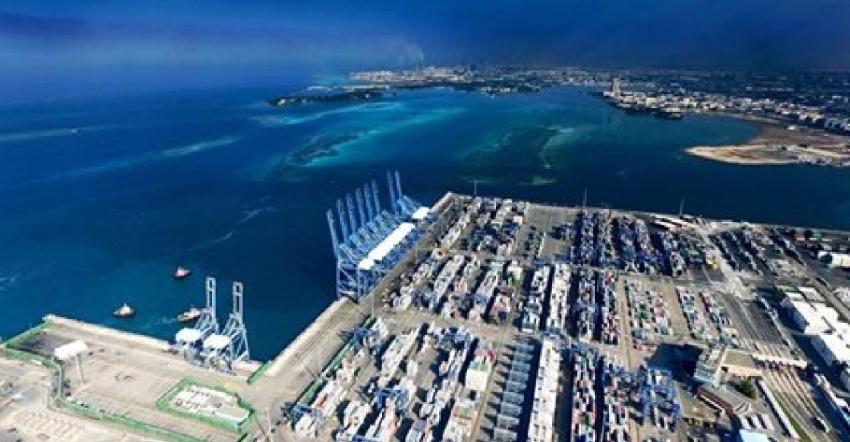 Red Sea Gateway Terminal Modern Cranes Permit Handling Of Ulcvs Seatrade Maritime