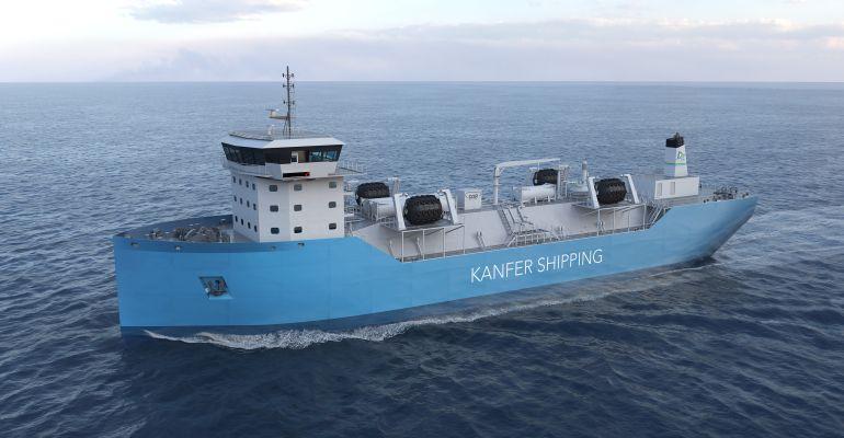 Kanfer LNG Barge.jpg
