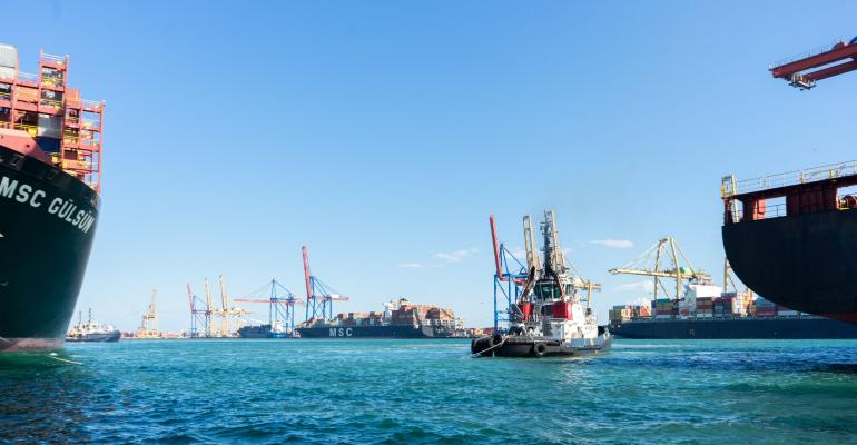SHIPS VALENCIA PORT.jpg