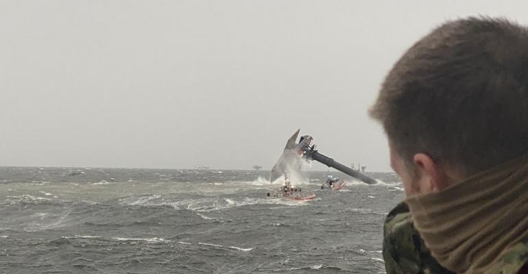 USCGliftboatcapsize.jpg