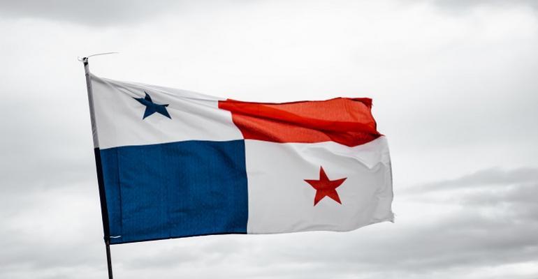 luis-gonzalez-PanamaFlag-unsplash (1).jpg