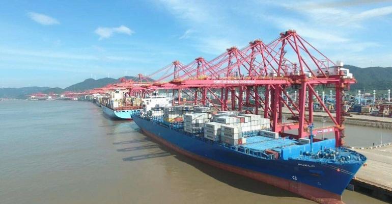 ningbo-zhoushan port 07.jpg