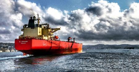 Retrofit-for-decarbonization shipping emissions